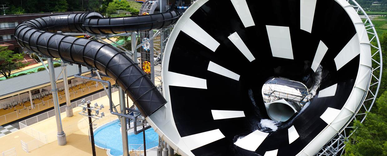 2014.7.1(火)東京サマーランドへオープンいたしました。日本初の大型スライダー「デカスラ」当社にて運営を行いました!
