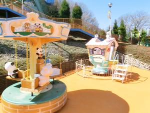 東京サマーランド「スターホイール(観覧車) 下側」ゲーム機2台